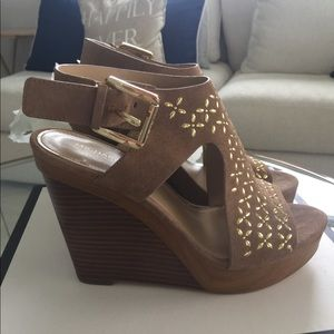 Michael Kors Shoes - Michael Kors tan and Gold wedges